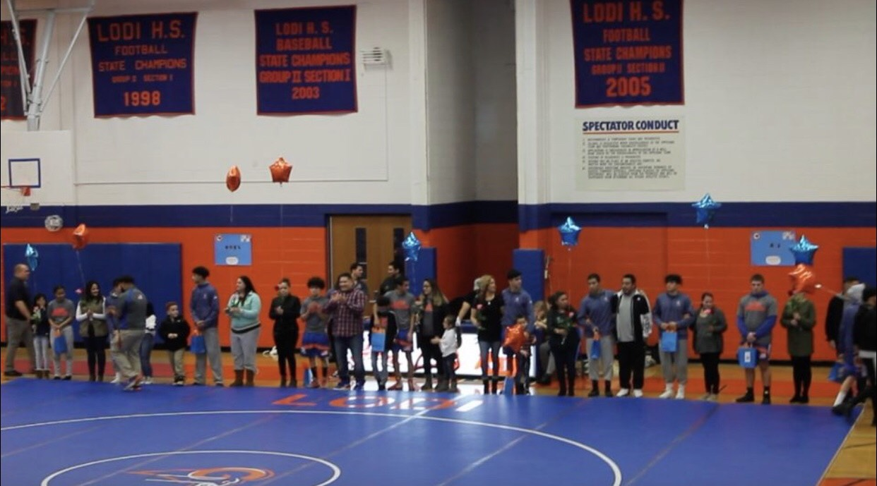 All+senior+wrestlers+with+their+familes