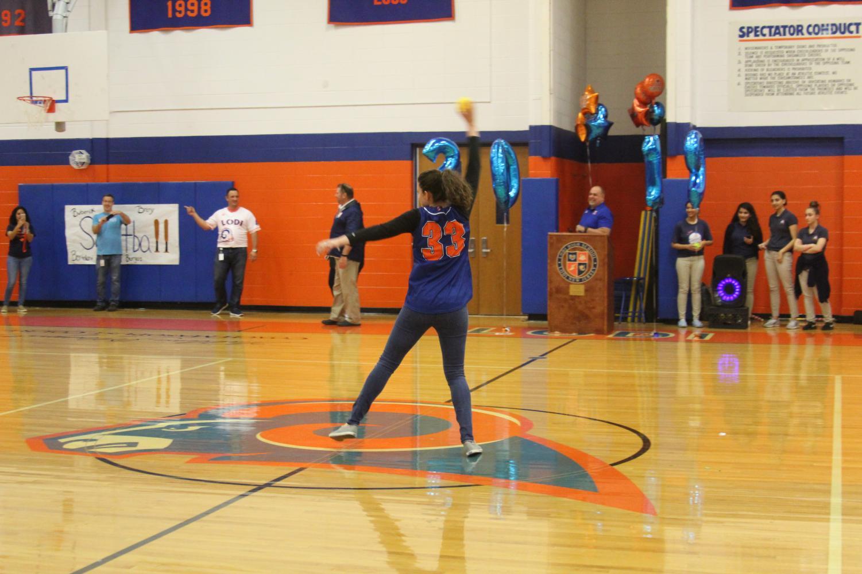 Mrs.+Orosz+throwing+a+softball+pitch+